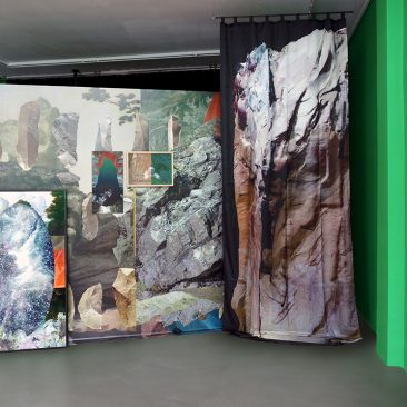 Lost_Horizon, solo show at gallery LhGWR The Hague, 2017. Wallpaper, green paint on walls, prints on silk, videoloop on flatscreen, works on paper. Cluster 1.